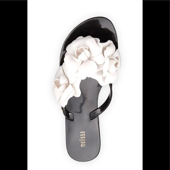 72785ef4583ef Melissa Harmonic Garden Flower Thing Sandals. M 5b4e39f65fef370c0b708095